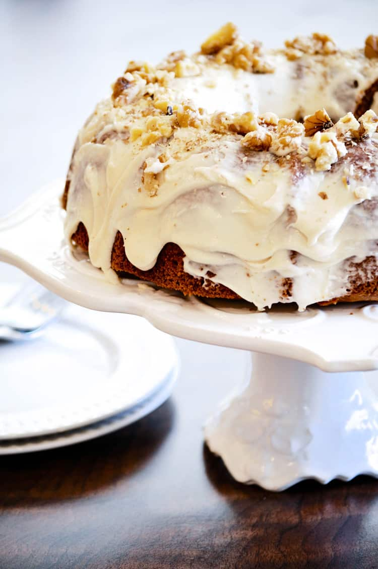 Scrumptious and easy Vegan Carrot Cake https://www.veganblueberry.com