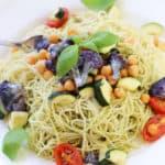 Vegan Pesto Pasta with Cauliflower and Chickpeas https://www.veganblueberry.com
