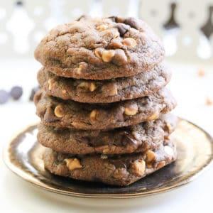 Double Chocolate Chip Vegan Cookie https://www.veganblueberry.com