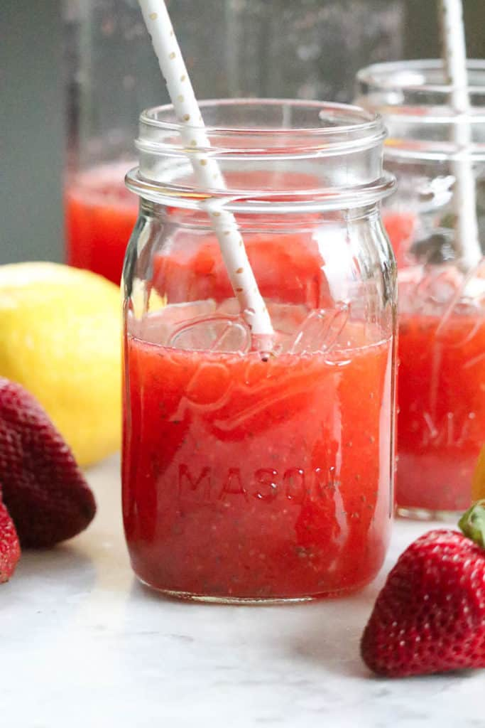 Strawberry Chia Seed Lemonade - and NO refined sugar!!! Yum!!!